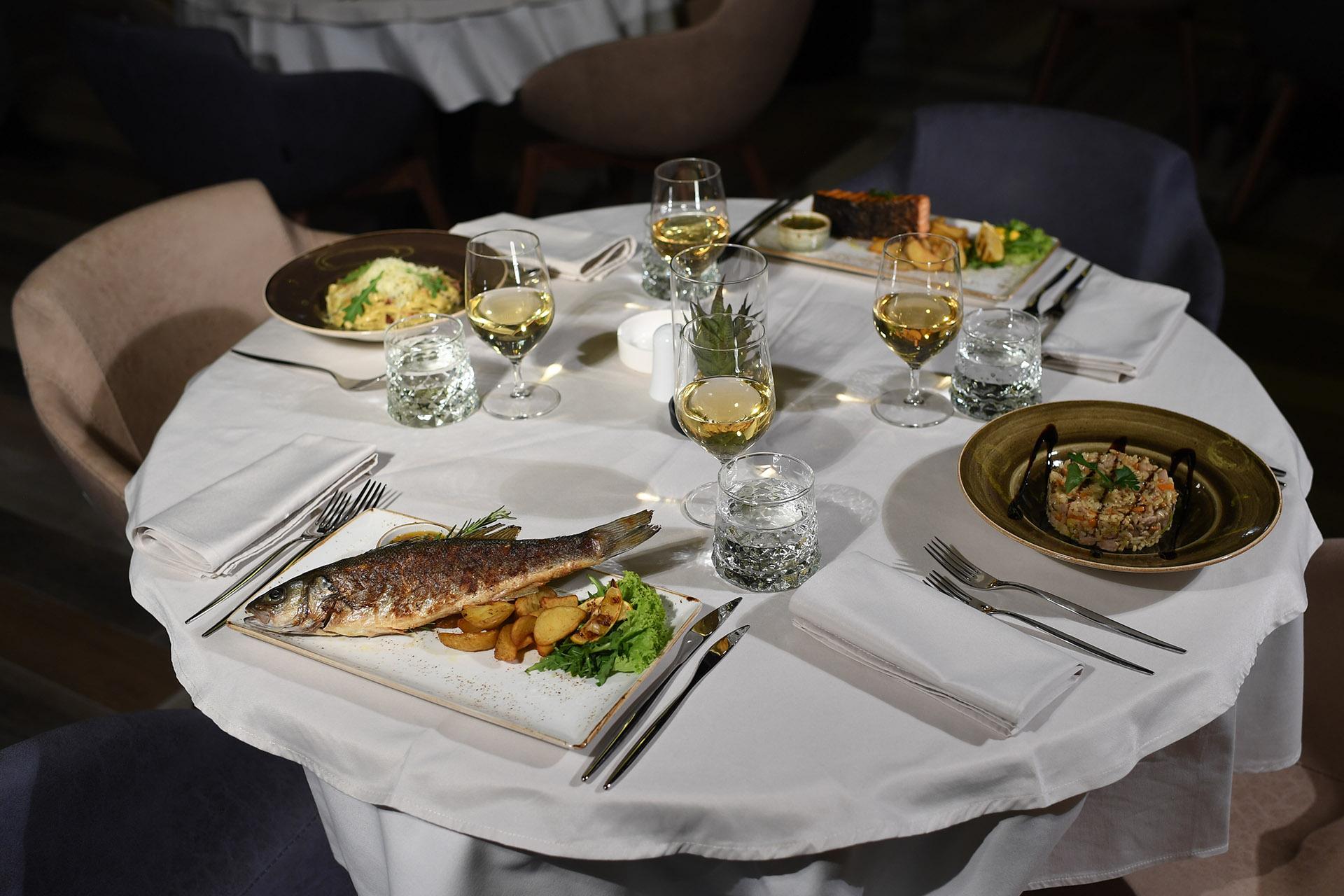 Restoran u Prokuplju Festina Lente